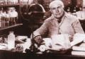 电灯到底是谁发明的?一直以来都以为是爱迪生,其实并不是