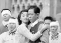 王志文与妻子近照曝光,长相说来话长?10岁儿子颜值却很高