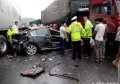 沈阳发生惨烈车祸 大货车撞轿车致三人死亡!货车司机被追究刑责